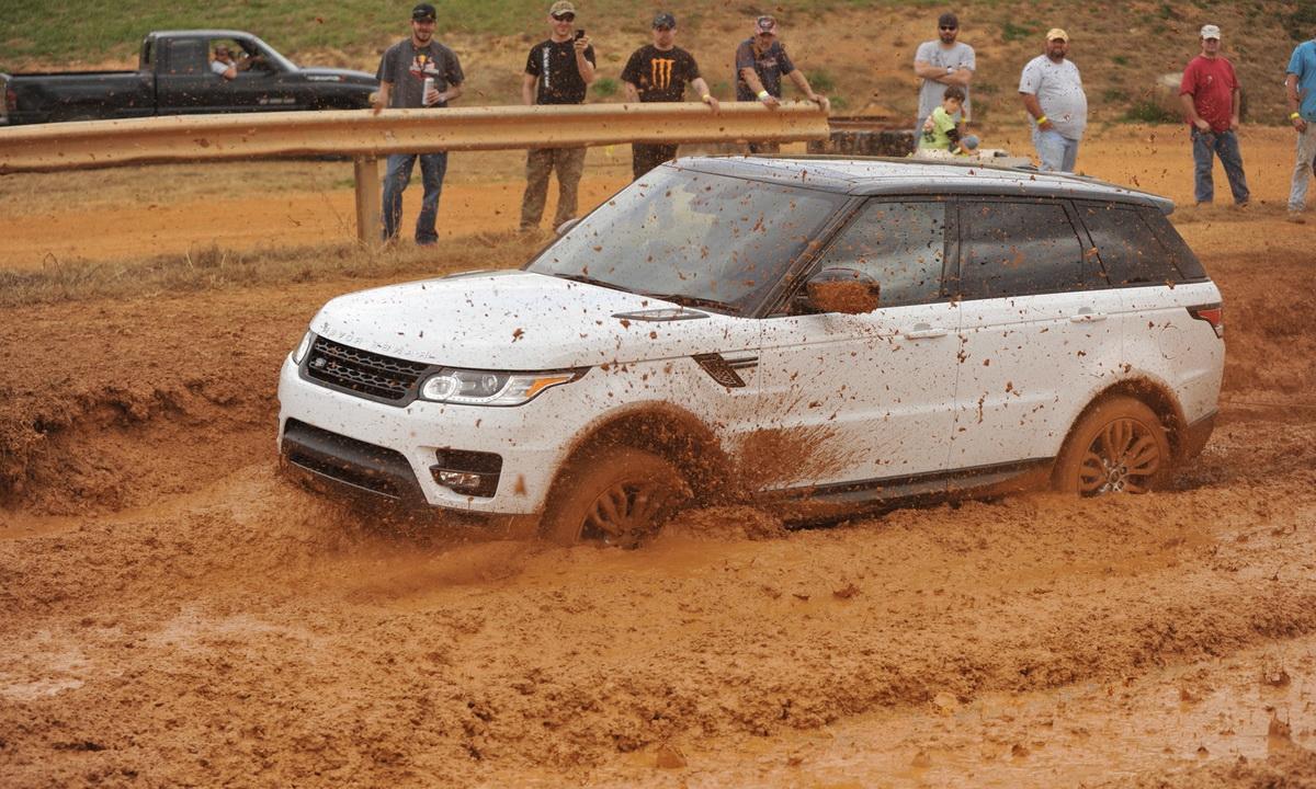 Что делать если машина застряла в грязи