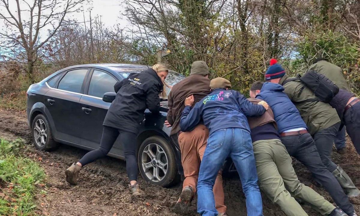 как вытащить машину без эвакуатора
